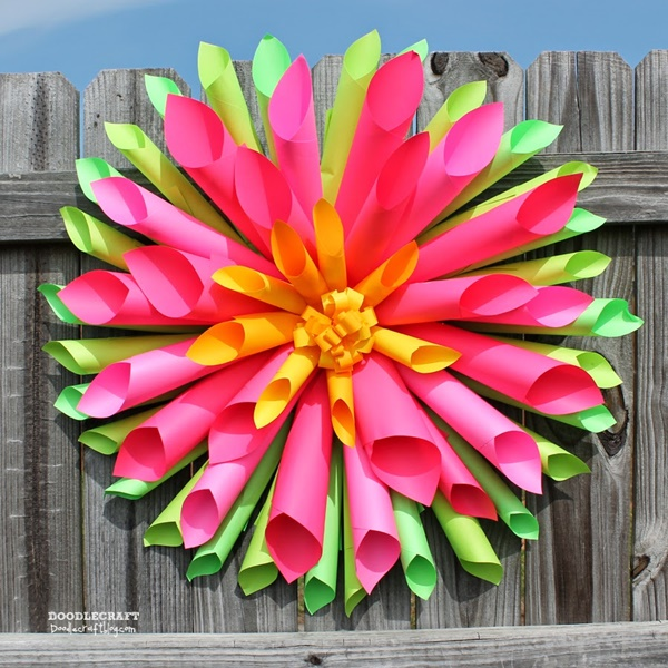 Rolled Astrobrights paper dahlia flower wreath easy hot glue crafts craft project spring colorize (10)