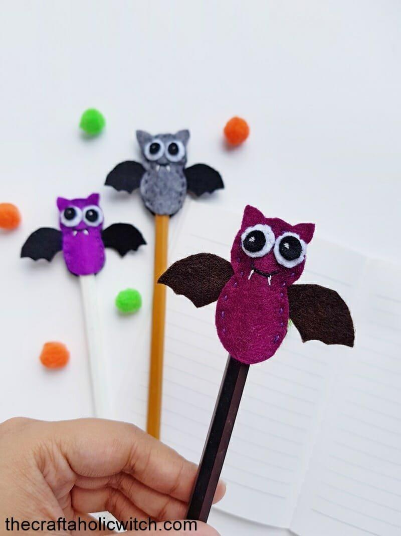 Bat pencil topper free pattern